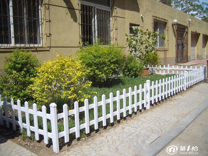 供应花圃围栏 防腐木花圃围栏
