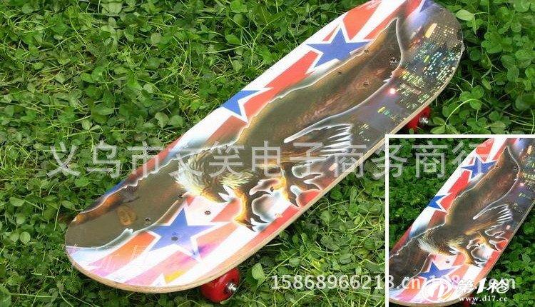 厂家直销2808四轮滑板车木头滑板三轮滑板车踏踏车游
