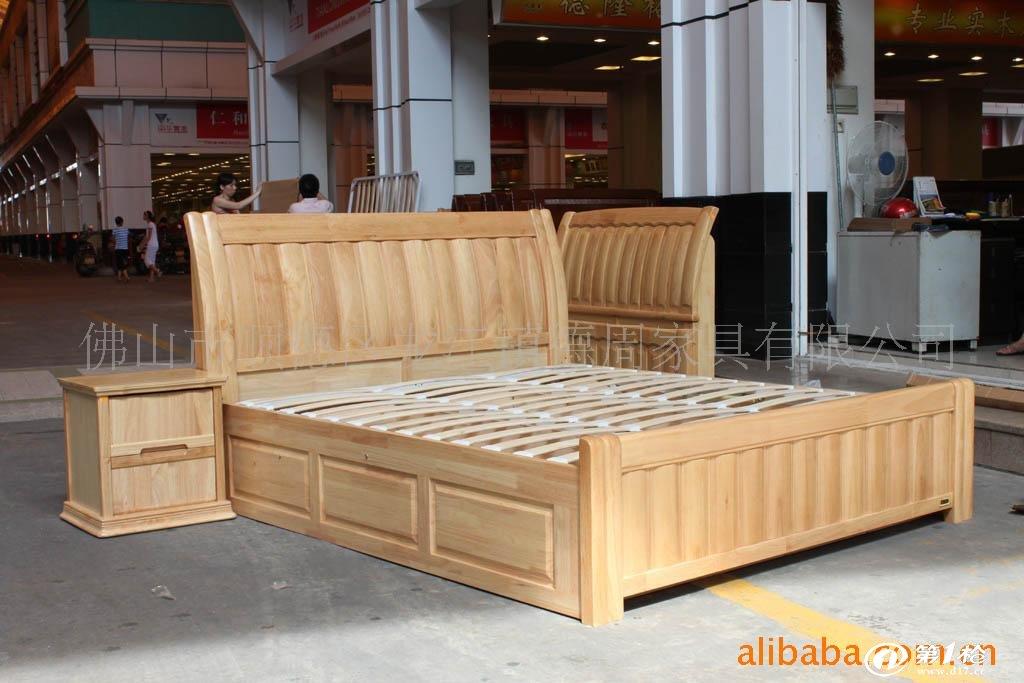"""【供应实木床】 卧室家具床 古典欧式床 儿童卧室床   """" 【价格】:批发价,本产品包括床板,不含床垫、床头柜, 1.5m的床价格少40元。 【产品特点】:全实木(原木)、健康环保、美观舒适、结实耐用、经济实惠,可根据自身要求调节床的高度! 【库存情况】:一般情况下有库存, 购买前请询问库存情况。"""