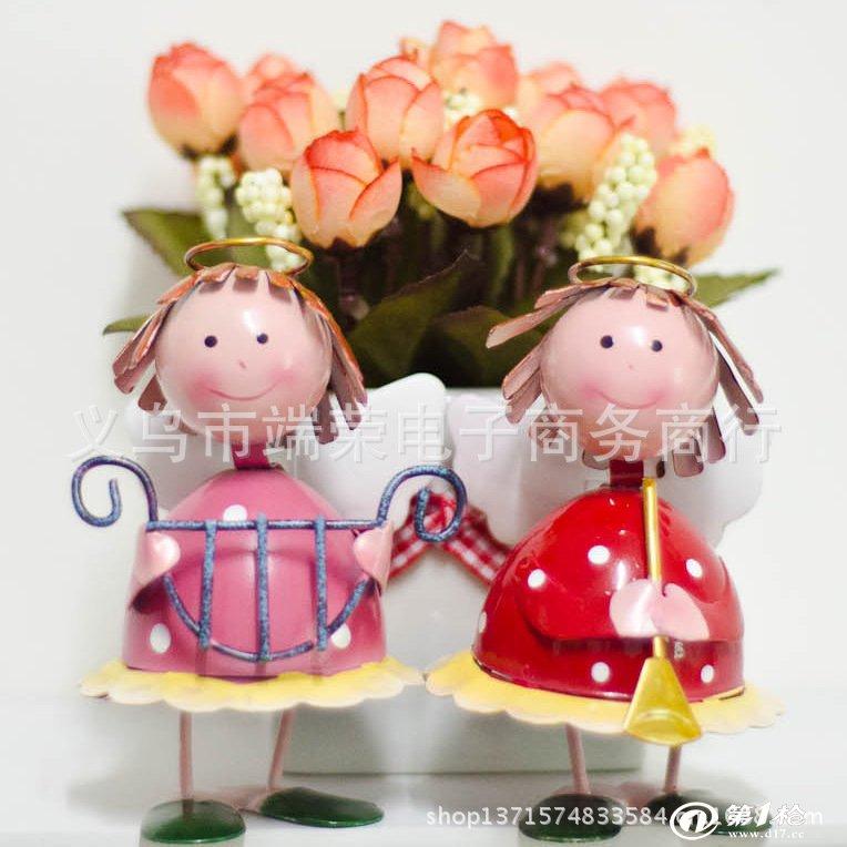 铁皮娃娃家居装饰品新房摆件时尚创意结婚礼品欧式摆设品生日礼物