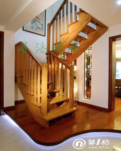 木头楼梯格局设计效果图