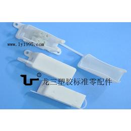 011接线盒龙三塑胶配线器材厂专业供应物美价廉