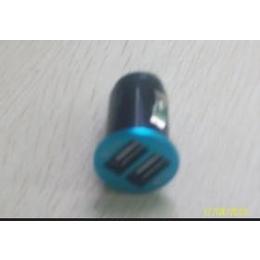 <em>USB</em>接口<em>手机充电器</em>。旅行充电器。车载充电器