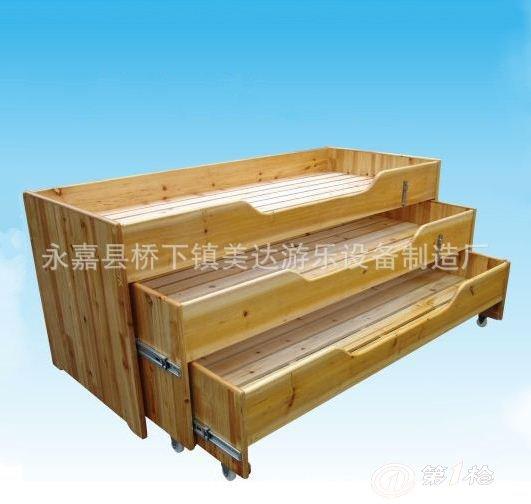 【名称】:原木四层推拉床 【规格】:以下是四层每层的规格依次是最上层往下: 140*60*70cm,135*60cm,130*60cm,125*60cm。 【颜色】:天然原木色 【形式】:固定式 【主料】:香杉木 【包装】:简易泡沫纸包(订木箱更安全,另加100元/个) 温馨提示:本店铺商品一律以实际发货为准以上图片供亲你们参考,特别挑剔亲亲们请绕道哦 谢谢。。。。。。 我店所有产品,包装各不相同,快递公司送货环节较多,运输距离较长,外包装难免会有些磨损和挤压,请在签收前注意验货,如有损坏,请在签收前退