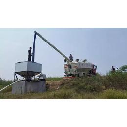 琼山2017款8吨散装猪饲料车发车了
