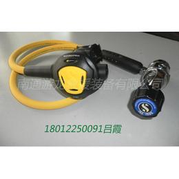 潜水旅行的潜水呼吸器一级减压器二级呼吸器