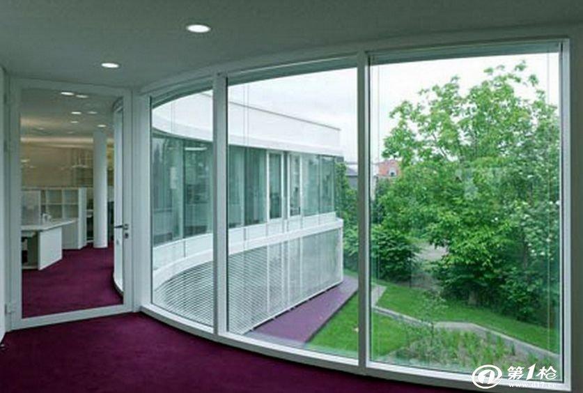 玻璃与门窗之间出现缝隙怎么办