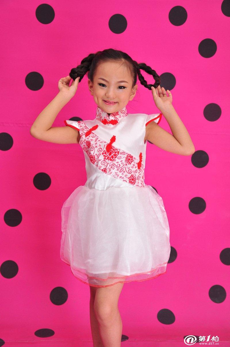 新款儿童中国传统青花瓷造型六一小学生舞台演出服舞蹈表演服女孩图片