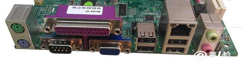 0接口(4个为排针),2个串口(1个为排针) 集成6声道音效芯片 1个realtek