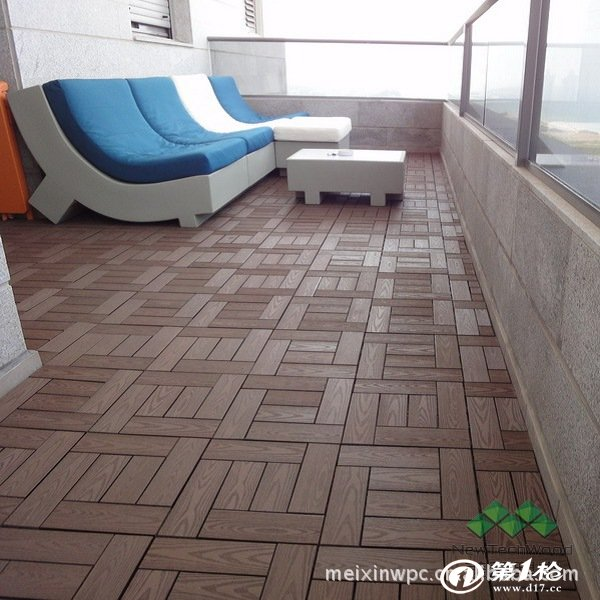 美新木塑DIY地板 30x30cm 惠东美新塑木型材制品有限公司位于广东省惠州市惠东县新兴亚洲工业园,专业生产环保户外的美新塑木型材,属于国家鼓励发展的项目和惠东县外商十一项重点投资项目之一。公司于2004年成立,2006年第一期建成投产,现有厂房面积6万多平方米,2010年已达到4万吨的年产能。 美新采用先进的塑木生产设备和工艺,产品质量和开发能力达到国内领先水平,销量位居行业前列。公 司注重科学研发,与四川大学、华南理工大学、同济大学、上海大学、中科院化学所建立了长期紧密的产学研合作关系,建立了塑木技