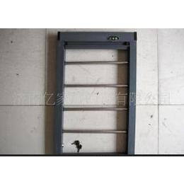 低价批发防护纱窗专用锁具,小巧玲珑,灵活方便。