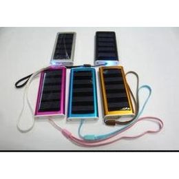 厂家直销002太阳能<em>手机充电器</em>/多功能<em>应急</em>充电器/礼品太阳能