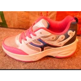 网布暴走鞋男女童滑轮鞋自动款卡蓝色零售兼批发一轮鞋