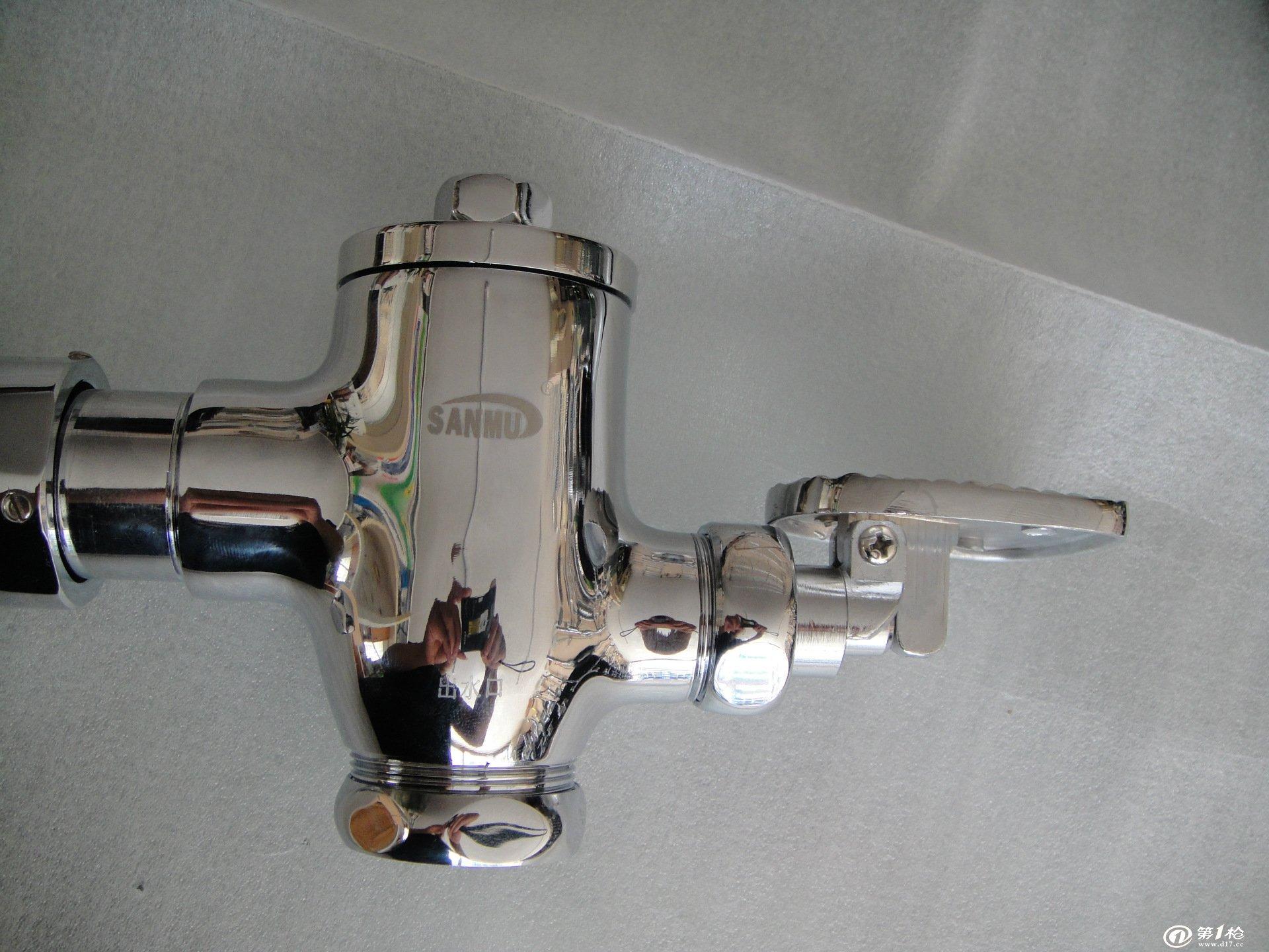 厂家直销 全铜 卧式脚踏式大便器专用冲洗阀 质优价廉图片