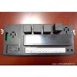 中央电器盒、12路保险盒、收割机电器盒缩略图