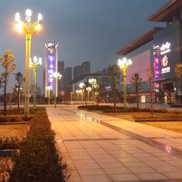 华南城3号广场施工及亮灯图