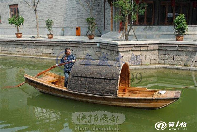 代代承传的手工制作方法,精心设计制造木船,具有 结构合理,款式独特