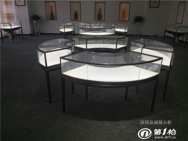 不锈钢圆弧珠宝展柜定制效果图 深圳厂家定制展示柜