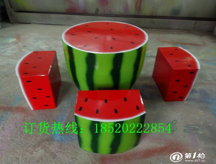 玻璃钢桌凳雕塑心形椅子云南异形摆件制作 商场美陈水果装饰厂家