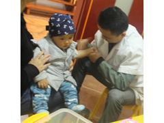 名医为儿童看病