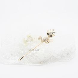 ll  ll 金色个性珍珠胸针 女狐狸造型别针