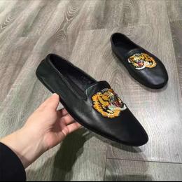 驰帝欧男士虎头刺绣真皮一脚蹬鞋懒人豆豆鞋