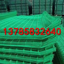 绿色铁丝围栏网   铁丝网多少钱一片   路边花池防护网
