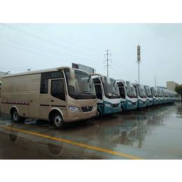 东风超龙厢式运输车6米厂家直销可上蓝牌价格