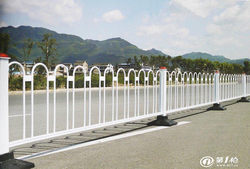 城市道路交通护栏的作用