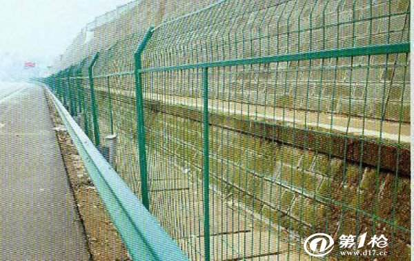 高速公路护栏网的安装流程以及注意要点