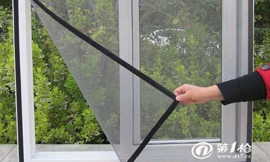 如何用海绵清理纱窗?如何用旧报报纸清理纱窗?