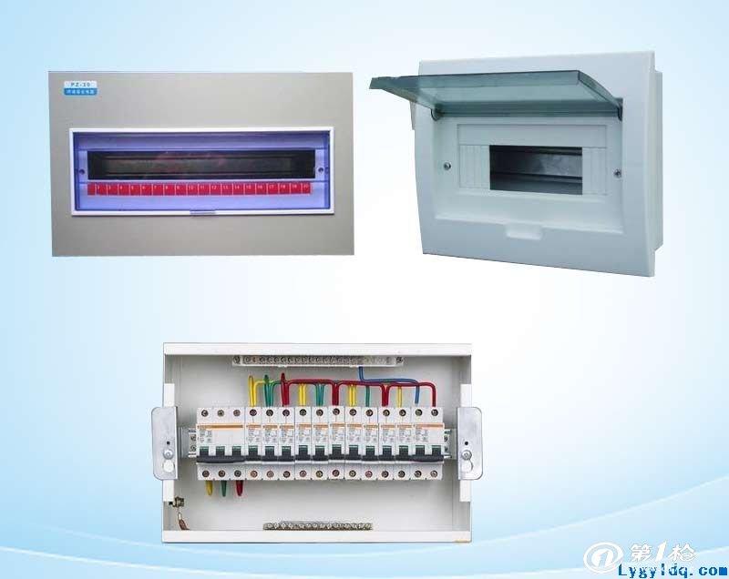配电柜 配电柜(箱)分动力配电柜(箱)和照明配电柜(箱)、计量柜(箱),是配电系统的末级设备。配电柜是电动机控制中心的统称。配电柜使用在负荷比较分散、回路较少的场合;电动机控制中心用于负荷集中、回路较多的场合。它们把上一级配电设备某一电路的电能分配给就近的负荷。这级设备应对负荷提供保护、监视和控制。 中文名 配电柜 定 义 指分动力配电柜和照明配电柜 分 级 一级配电设备 主要区别 GGD是固定式,GCK 目录 1 定义 2 分级 3 常用 4 安装 5 运行 6 特点 7 操作规程 8 微机保护装置 9