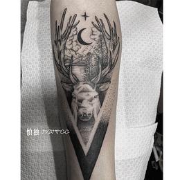 小臂  麋鹿点刺刺青