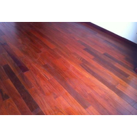 木地板选购中碰到有些色差的地板是正常的吗