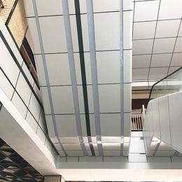 金月湾手扶电梯装饰铝单板  弧形铝单板 氟碳铝单板