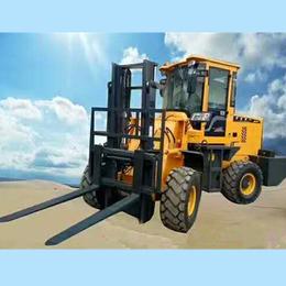 3吨越野叉车提升高度4米中首重工厂家直销价格p
