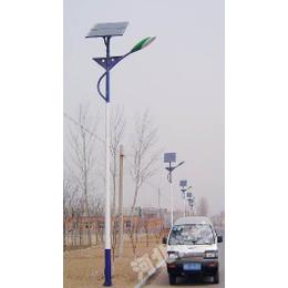 新河6米太阳能路灯加工厂家 新河锂电路灯安装过程