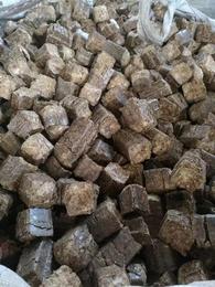 河南花生壳压块燃料 花生壳压块多少钱一吨
