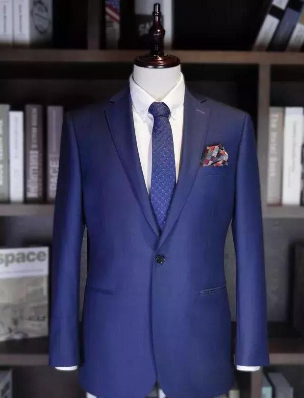 蓝色婚礼礼服