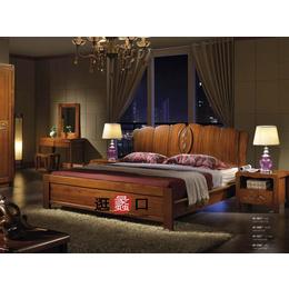 室内木质温馨床具定制