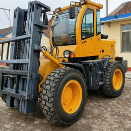 四驱高底盘越野叉车适用于山区的5吨越野叉车大马力