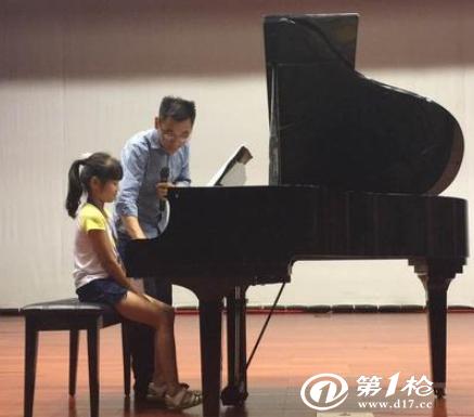 孩子从小接触钢琴培训有什么好处?