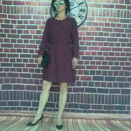 中长款时尚镂空雕花及膝连衣裙裙缩略图