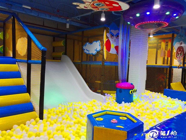 专业生产淘气堡儿童乐园,户外滑梯,大型蹦床,pu产品,幼儿园悬浮地垫