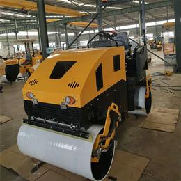 减震效果超好的座驾式压路机2吨全液压压路机弗斯特厂家