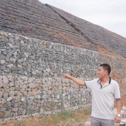 厂家直销水利工程格宾石笼网防洪隔离石笼网高尔凡雷诺护垫
