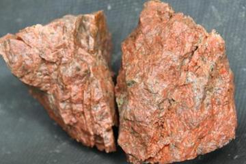 钾长石是什么?有什么用途呢?