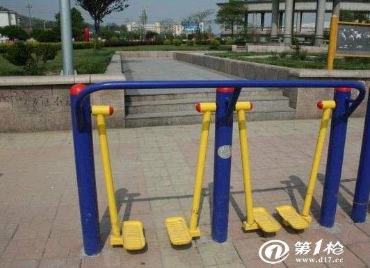 健身器材漫步机使用方法