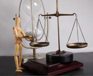 """电子商务法草案第三次提交审议 对电平台商""""二选一""""行为进行规范"""