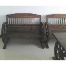 防腐木车轮凳